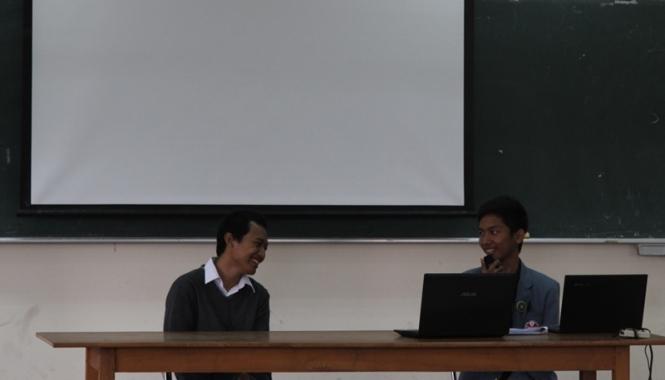 Pematerian Kepemimpinan oleh Muhammad Pramaditya Garry Hanantyo.
