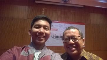 Curi kesempatan selfi bareng Pak Onno W Purbo.